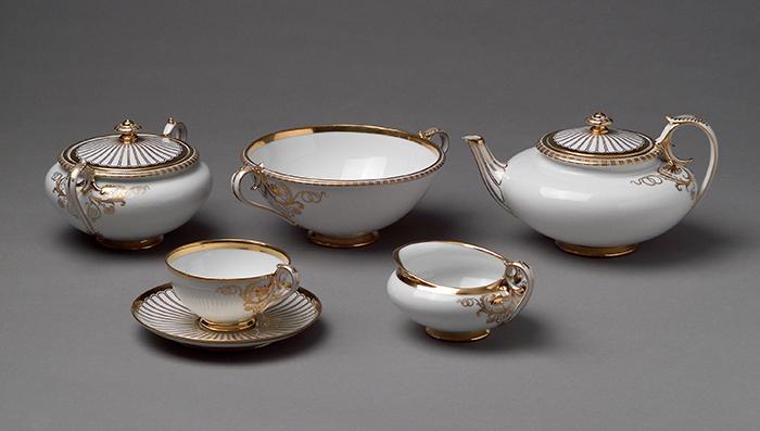 Theophil Hansen, servicio de té, 1864, porcelana de Viena.